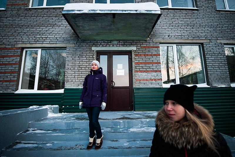 Elena Serova och Alexandra Klabukova vid Barnhem 9