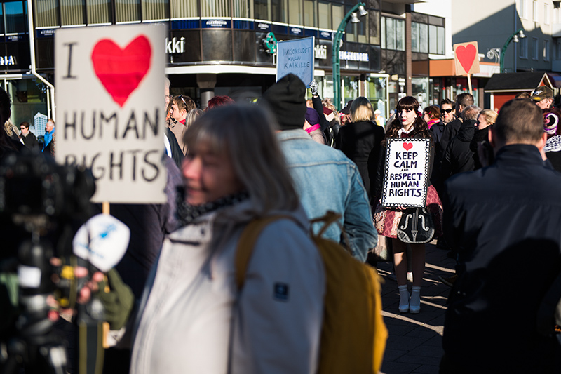 Demonstranter, Torneå, 151003