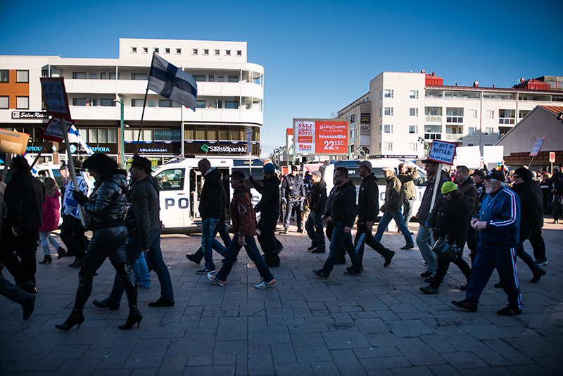 Demonstranter, Torneå, 151003