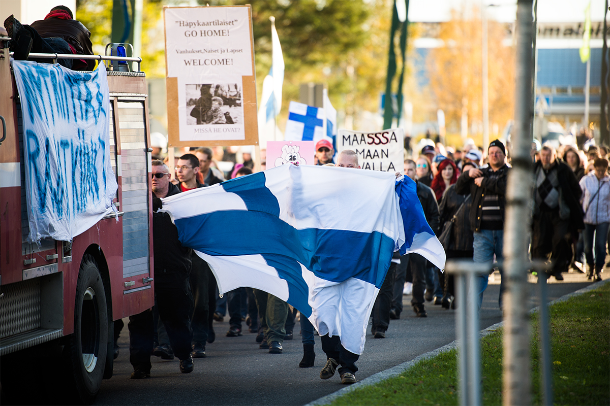 Protester mot flyktingmottagande vid gränsen mot Sverige. Finska Torneå. För Expressen.