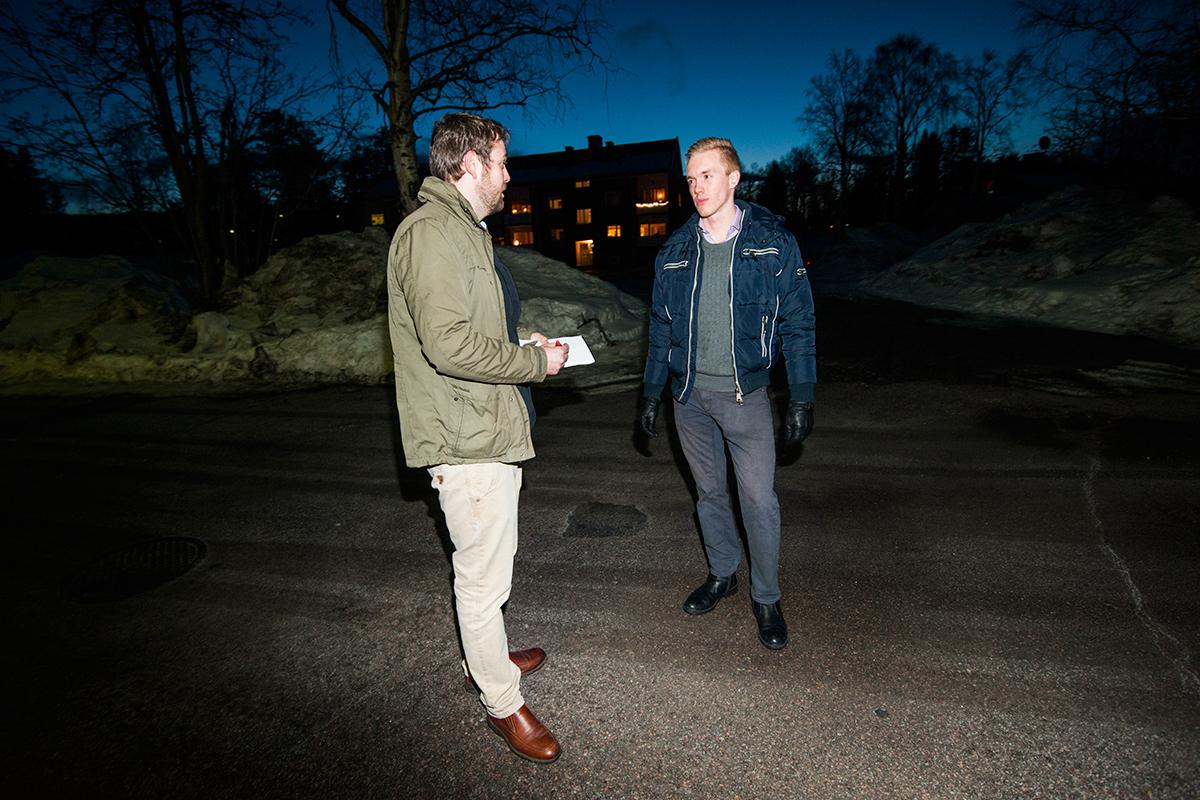 Udda möte med Sverigedemokraten William Hahne på mörk gata i Gällivare sent på kvällen. I samband med SDU/SD-kalabaliken i april. För Expressen.