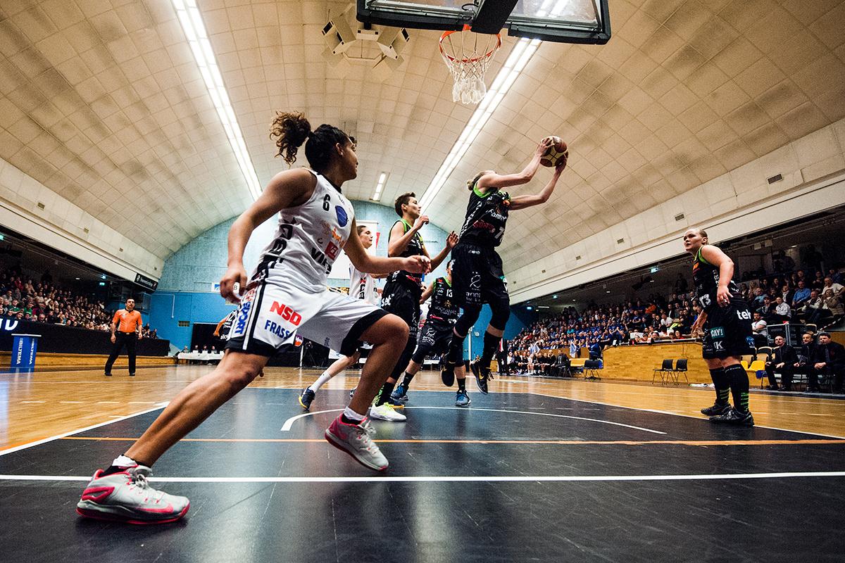 Northland Basket i final mot Umeålaget Udominate. För NSD.